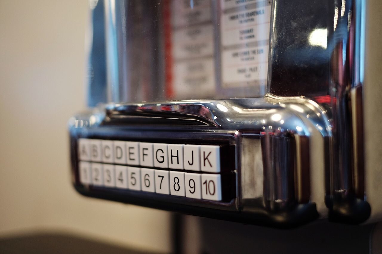 Text Communication Close-up Number Old-fashioned Technology Indoors  No People Day Old-fashioned Retro Styled Antique Fujifilm_xseries Fujifilm FUJIFILM X-T10 Jukebox Music Music Box Miniature