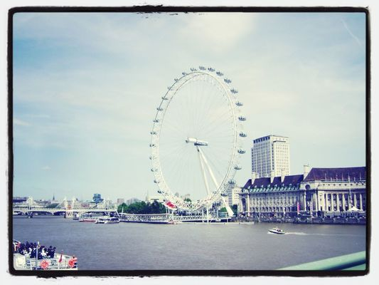 Memories at London by Sansan 🙊