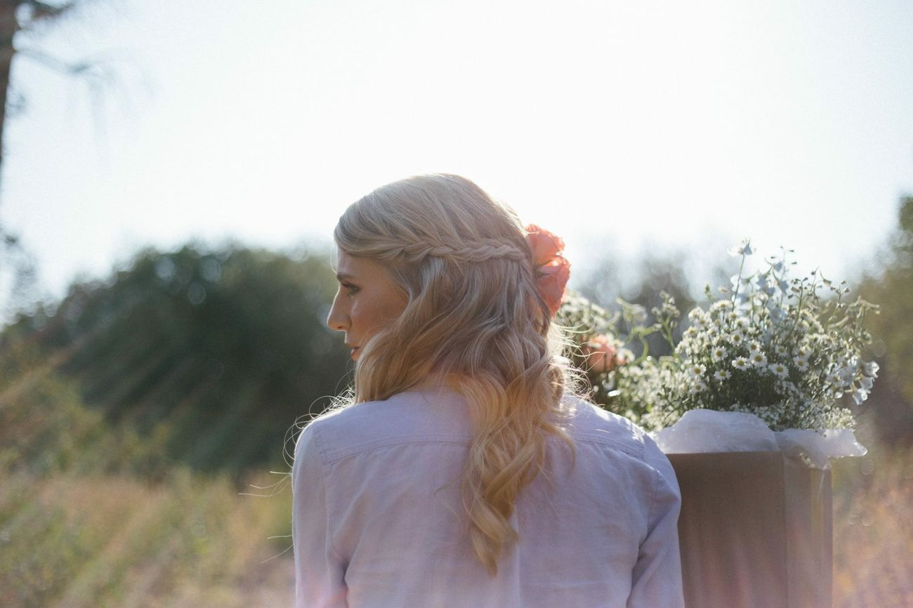 Capture The Moment The serenity of this bride in the morning sun has me in awe.
