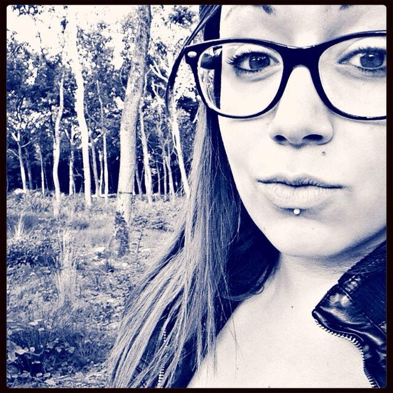 Premiere photo... Piercing Lunette Self Portrai En Foret First Eyeem Photo