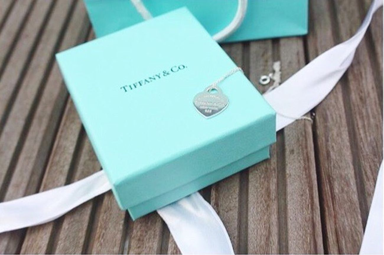 I don't want to own anything until I find a place where me and things go together. I'm not sure where that is but I know what it is like. It's like Tiffany's🌸💗 Tiffany&Co. Return To Tiffany Breakfast At Tiffany's Audrey Hepburn