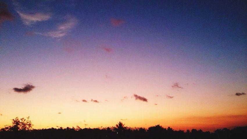Prefiero seguir tus pasos Taking Photos Relaxing Sunset