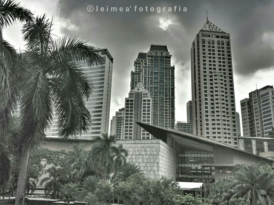 A chance of showers today! Badweatherday Lifeinthecity City Showers I Love My City Photography Snapseed Blackandwhite HDR Leimeafotografia Eyeem Philippines