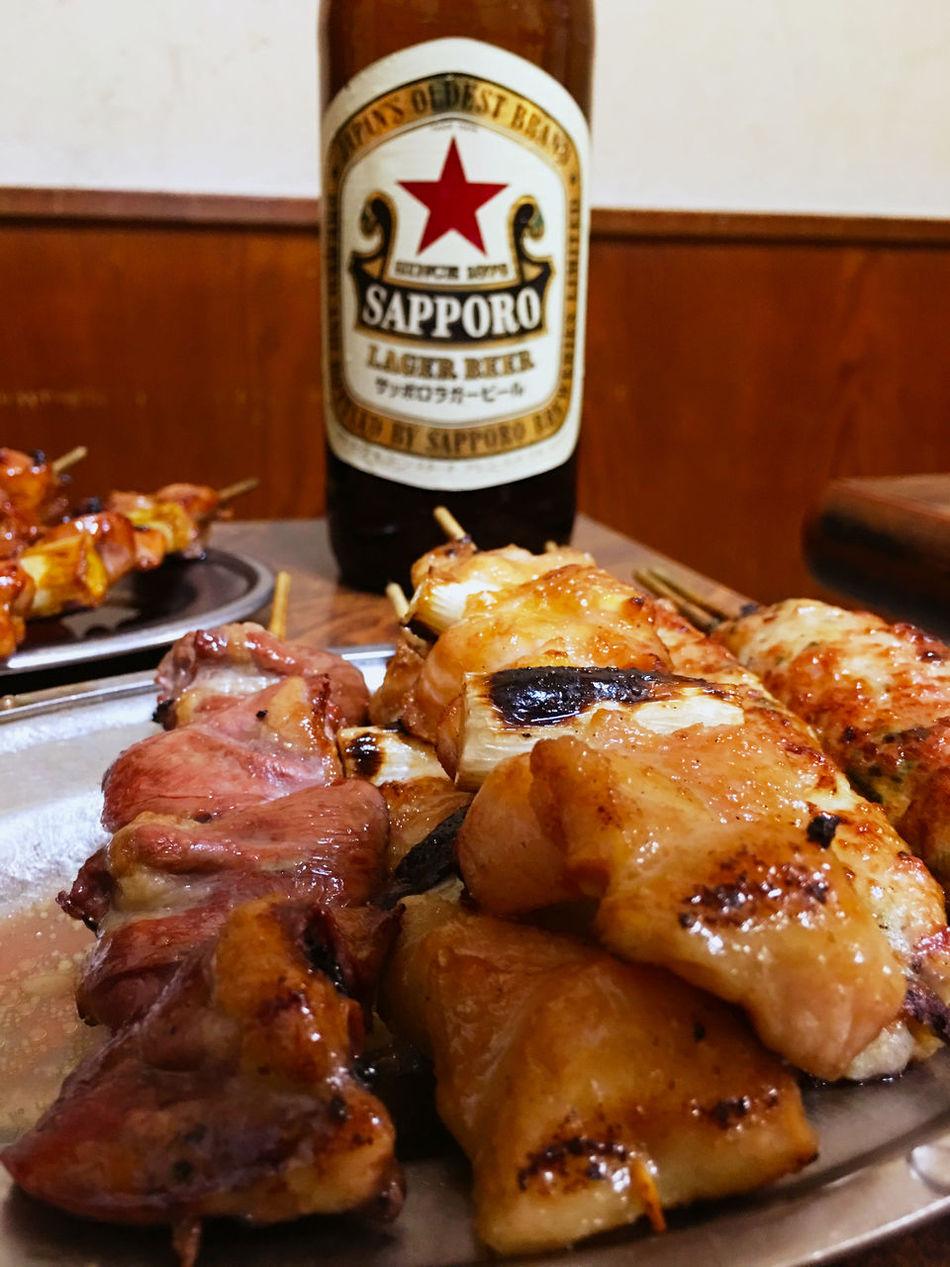 やきとり Yakitori を5種頼んだら、10本きた…そうか、2本セットなのね。😅でも、美味しいから食べ切れそうだ! Beer Foodphotography Food Porn Foodporn Japan Tokyo Shibuya