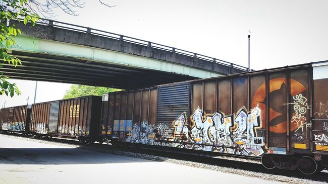 Samsung Galaxy S6 Camera Check This Out Enjoying Life Taking Photos Connellsville Pa Bridge - Man Made Structure Trains Mytown Oldrailroad Railroadbridge Traingraffiti Graffiti Colourful