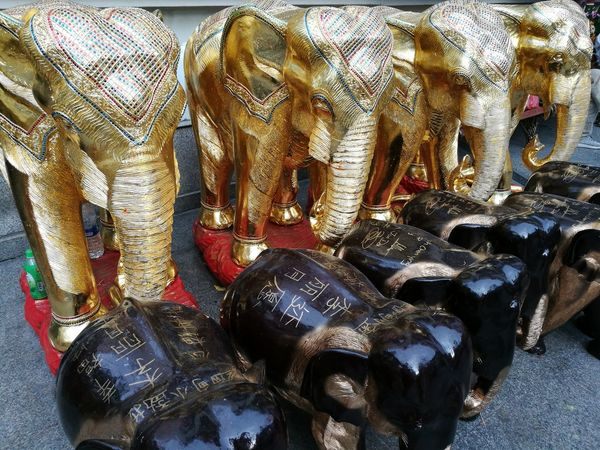 Gold Golden Handcraft Hinduism Buddhism Hindu Faith Belief Religious  Religious  Warship Elephant Scrupture Wood - Material Wooden Religion Animal Themes Patterns
