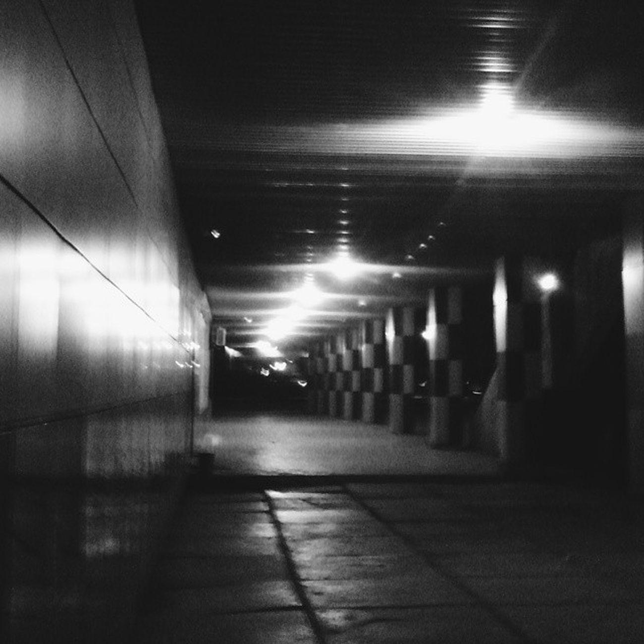 ночноефото чернобелый фонарь краснокаменск Life Niceday