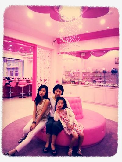 Pink House With My Mommy❤ Youngsister Pink