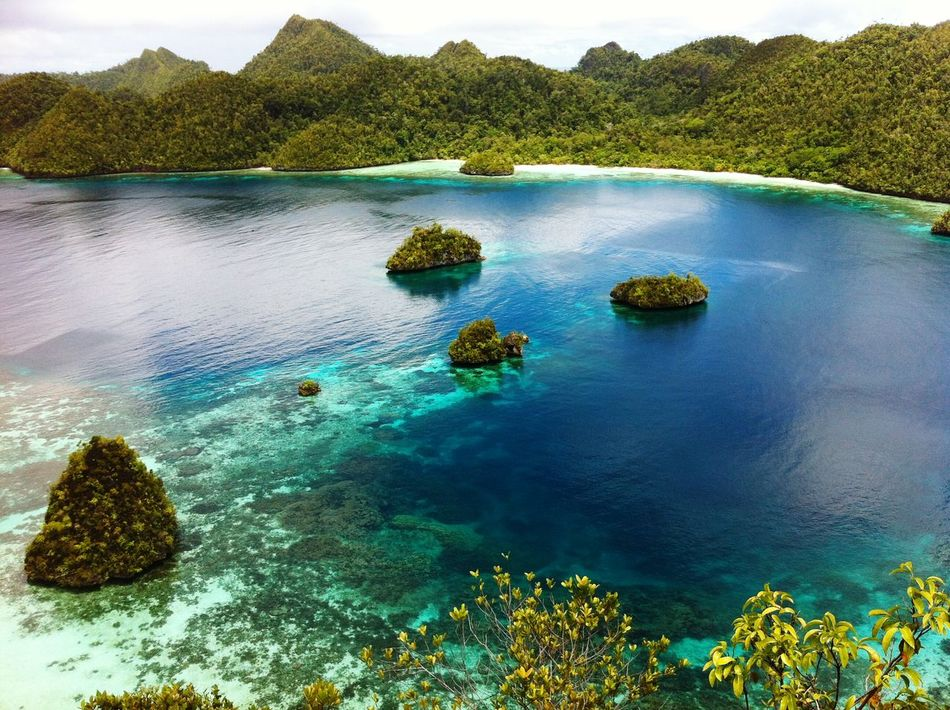 Love this place Pantai Alami Raja_ampat Papuabarat Wonderful Indonesia Lovelovelove Beatiful Beach Beatiful Nature