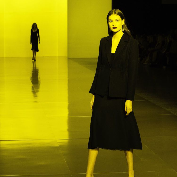Motion Cool Yellow Outfit Beautiful Fashionweek Nzfw Newzealandfasionweek Fashion Fashion&love&beauty Fashion Photography Model Modeling Modelling Runway Runway Show Light Light And Shadow Yellow Color Colors Color