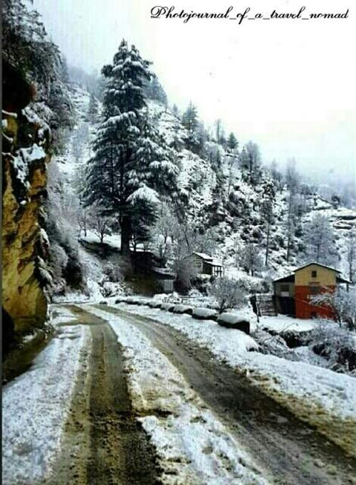 Explore your own tracks ... Taking Pictures Snowcladpeaks Snowcapped Mountainsarecalling Mountains And Valleys Snow ❄ On The Road Again Driving On Snow Melancholic Landscapes Hills Snow And Valley