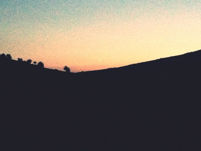 Look Up And Thrive Manzara Dediğin  Traveling Moon
