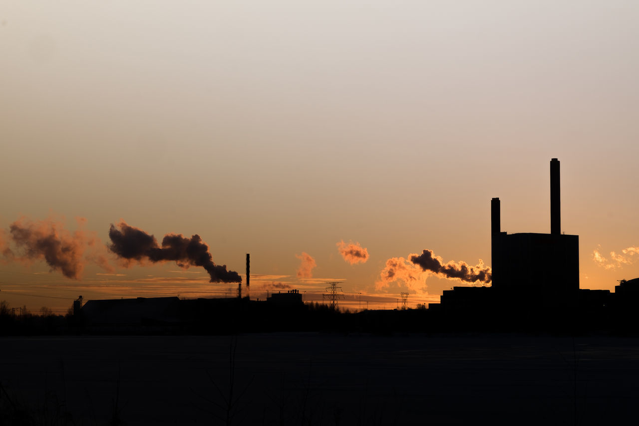 Air Pollution Built Structure Day Emitting Environmental Issues Factory Fuel And Power Generation Fumes Industry Luleå  Metal Industry No People Outdoors Picoftheday Popular Photos Silhouette Sky Smoke - Physical Structure Smoke Stack Social Issues Sunset
