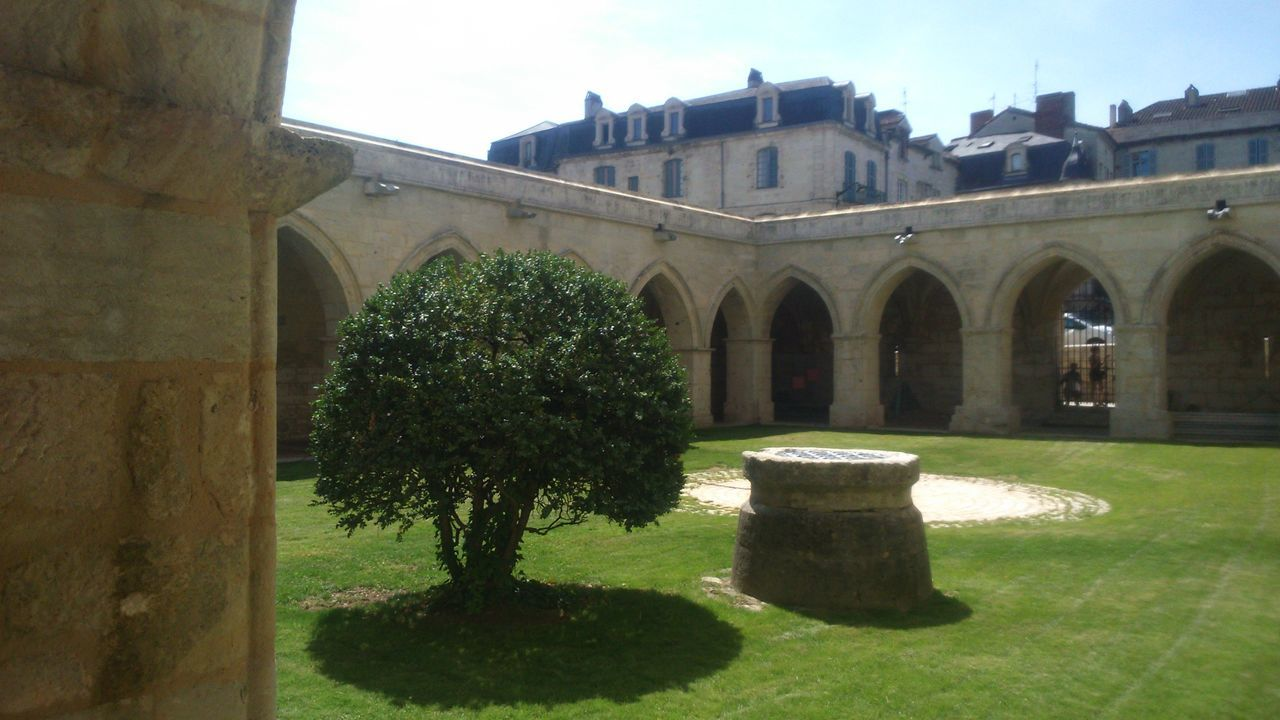 Architecture Building Exterior French Village Green Color Growth No People Old Village Outdoors Périgueux Plant Tree France