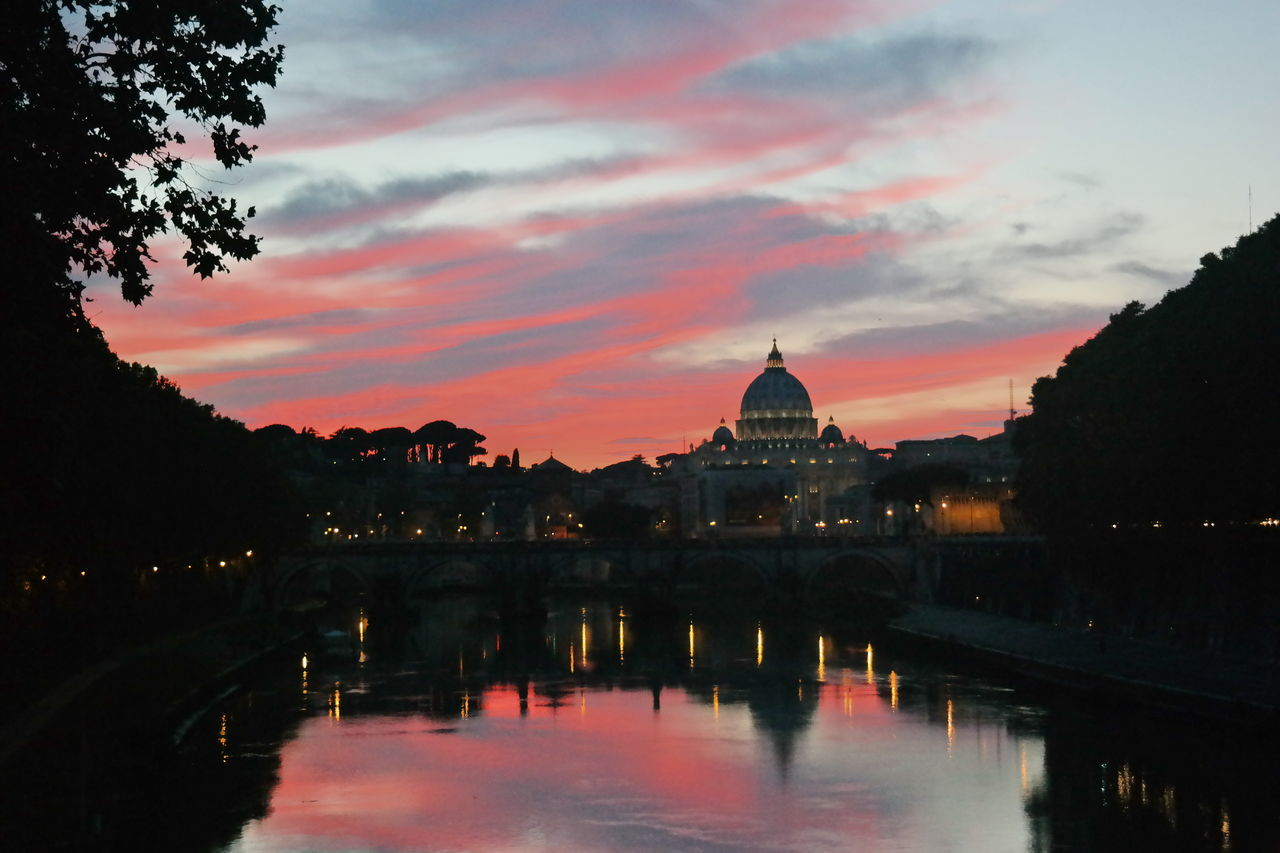 Samsungphotography SanPietro San Pietro In Vaticano San Pietro Cupolonesanpietro Cupolone Sunshine Sunset The Architect - 2016 EyeEm Awards River Tevere River Tevere Sky Clauds Clauds And Sky
