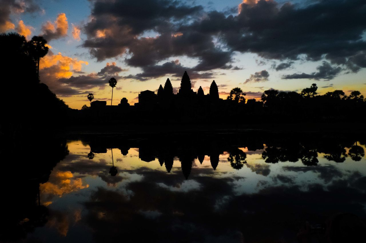 one of the beautiful sunrises in Asia Angkorwat Beauty In Nature Cloud - Sky Horizon Horizon Over Water Nature Outdoors Reflection Reflection Reflection Lake Scenics Sky Sky And Clouds Sunrise Symmetry Tranquility Travel Experience Water My Year My View