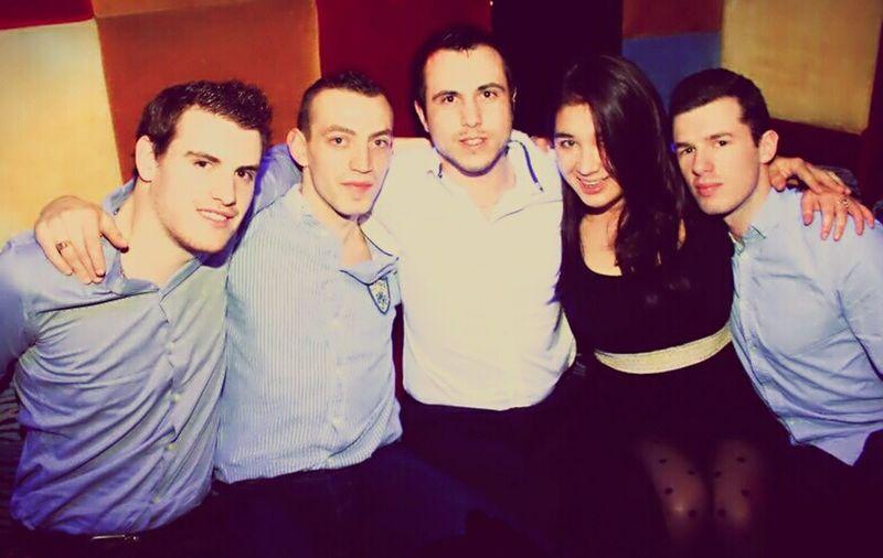 Initiation Pacha ;) Bonne vacs les gars !! À bientôt pour de nvelles aventures ... Friends Party Weekend First Eyeem Photo
