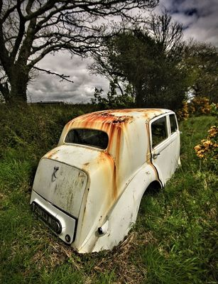 rusty autos by ian bradburn