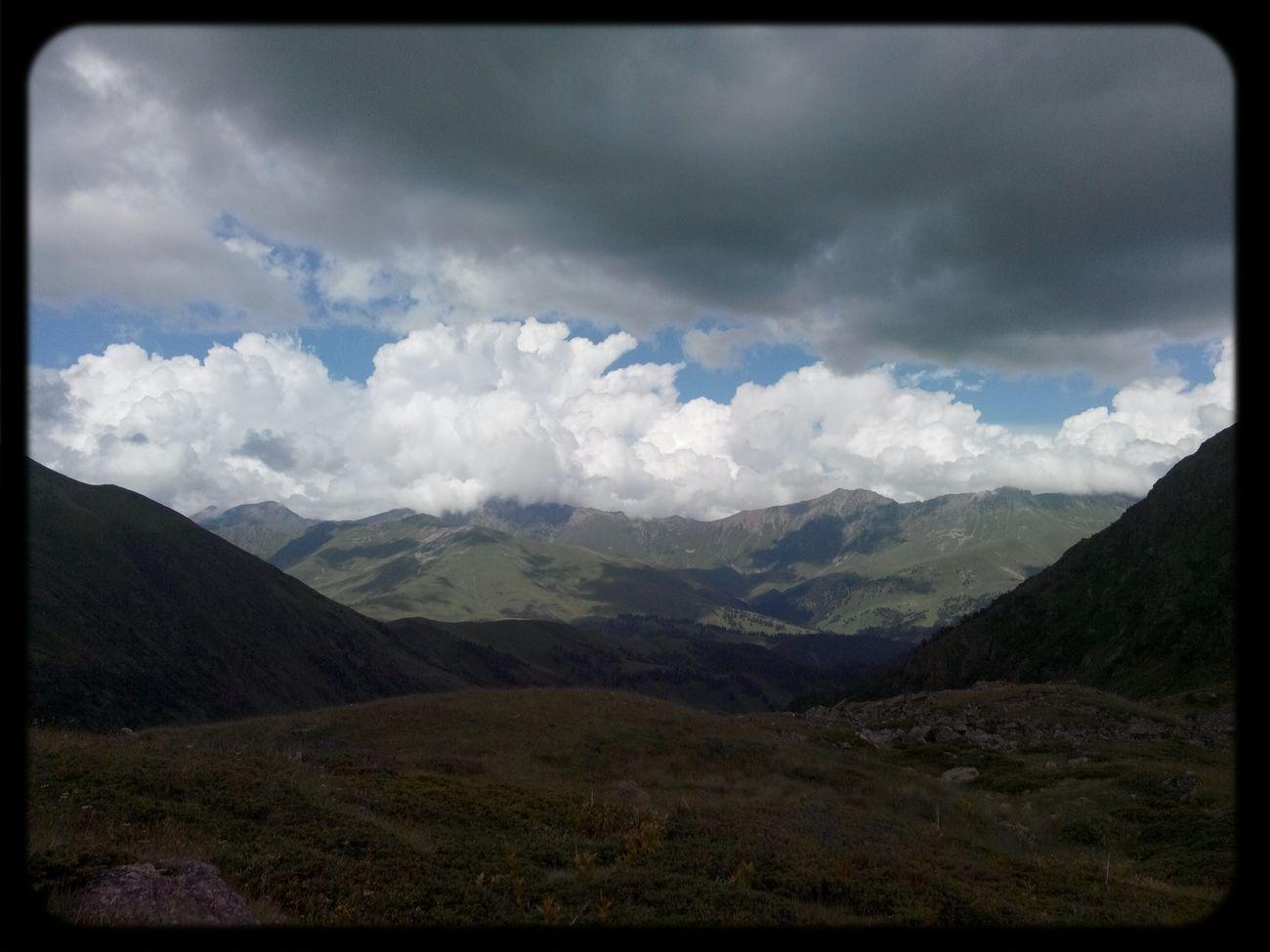 Enjoying Life облака горы улёт