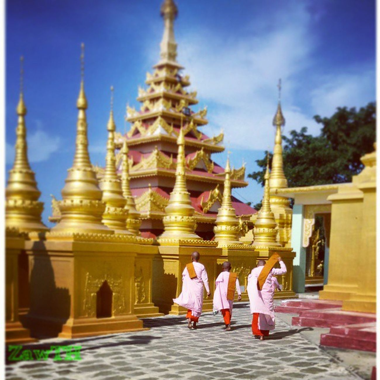 Goodnight igers. Greeting from Golden Land ကပွခဂကခr ကပွခဂကခr Monywa Mandalay Myanmar Myanmarphotos Pagoda Monastery Monk  Nun Burmeseculture Buddhist Buddhism Igersmandalay Igersmyanmar Vscomyanmar Zawth Ig_sharepoint Ig_worldphoto Ig_great_shot_fla Ig_great_shot Bsn_mobile Bsn_features Rcnocrop