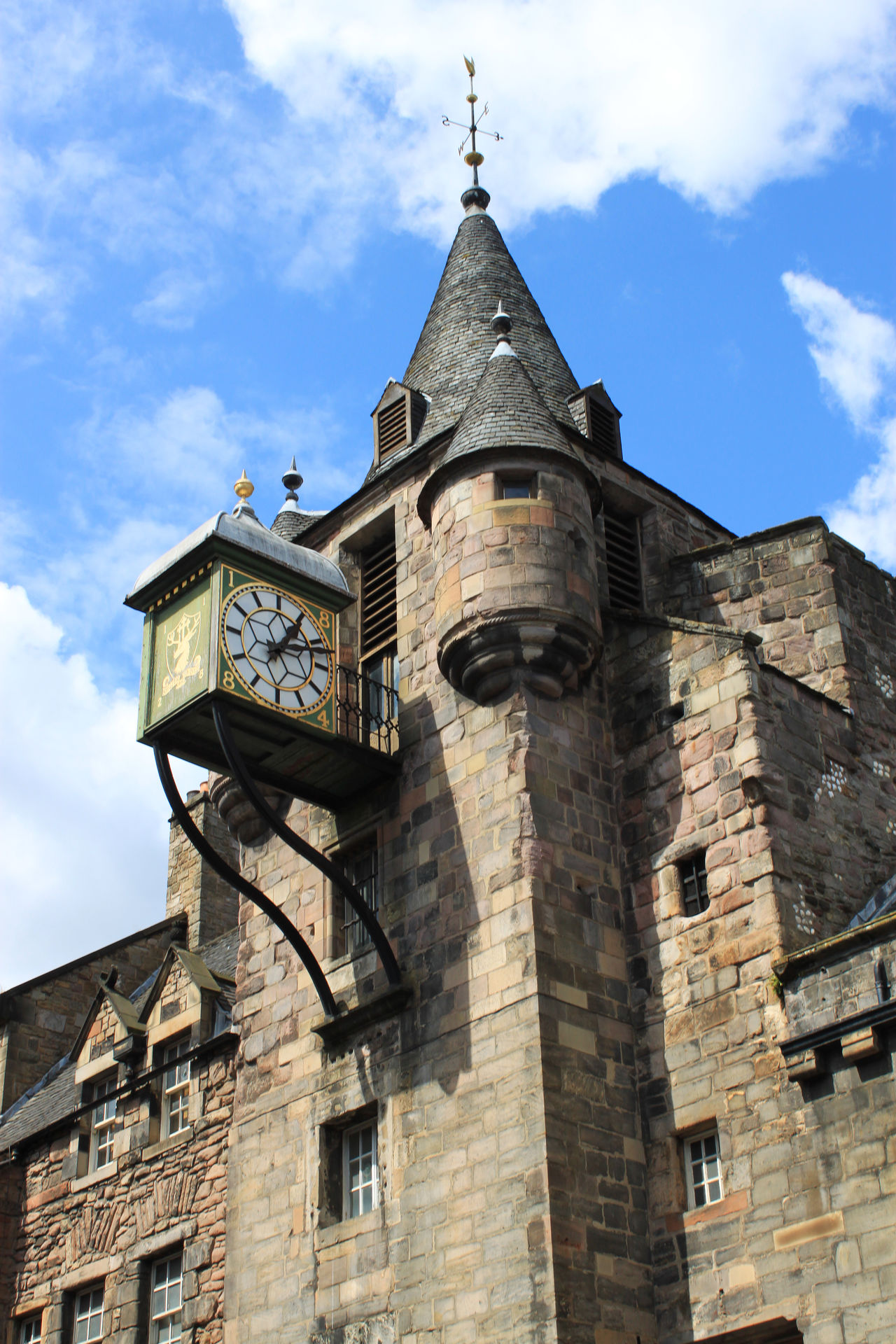 a low angle view on a clock tower in Edinburgh Architecture Built Structure Carpe Diem Clock Clock Tower Cloud - Sky Edinburgh Himmel Historisch History Low Angle View Medieval Mittelalter Old Sky Time Tower Turm Turmuhr Uhr Wolken Zeit