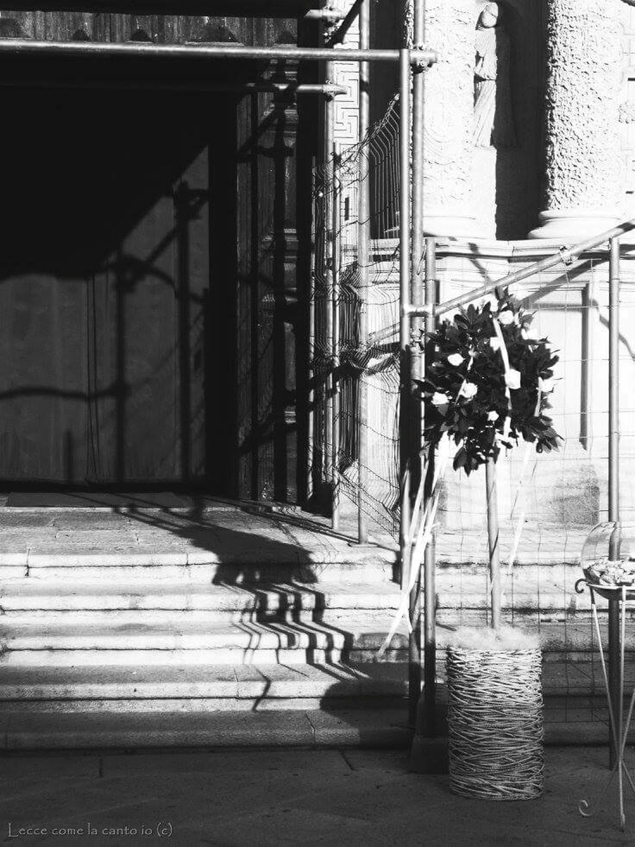 More on https://www.facebook.com/leccecomelacantoio/ Lecce Lecce - Italia Leccecomelacantoio Blackandwhite Photography Bnw Church Wedding Wedding Photography Wind Black And White Photography
