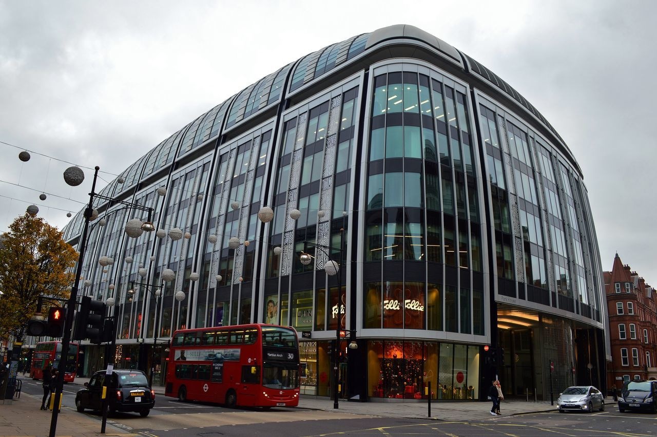 Architecture Building Exterior Built Structure Bus Check This Out City City Life Cool Enjoying Life Hanging Out Hello World Land Vehicle London London Bus My Photography Nikon Nikon D3200 Outdoors Shop Transportation