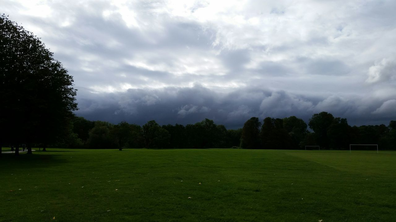 Clouds And Sky Stormy Weather Shadows & Lights Light And Shadow Rumbling Sky At The Park Trees And Sky