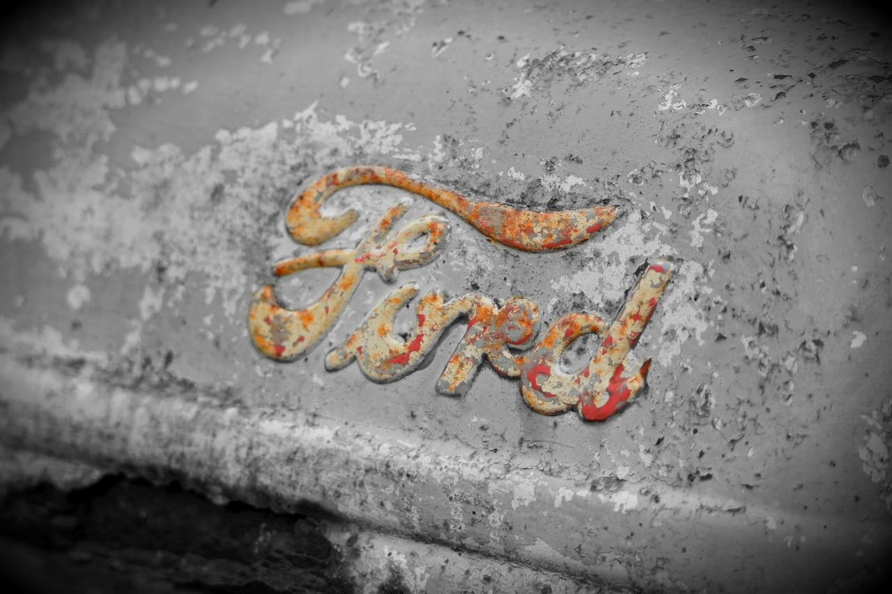 Old ford tractor. Outdoors Close-up Day Horizontal No People Ford Tractor Farm Life Colorsplash Vintage Travel To  South Hadley, MA Autumn🍁🍁🍁