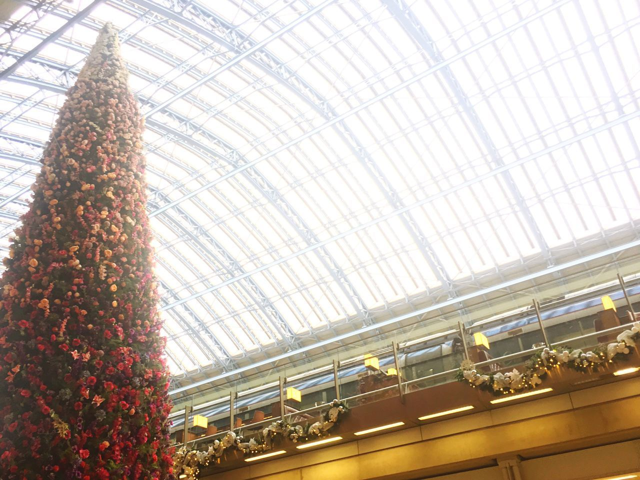Xmas Christmas Tree St Pancras Train Station Arched Roof Decoration Eurostar Travel Destinations London Nopeople