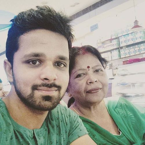 With my Maa . 😊 Love you maa & happy Anniversary 😆 Anniversary Party Anniversaryparty Celebration Happy Happiness Unforgettable Love Forever Family Smiles Together Marriage  Flowers Celebrate Instawed Instaanniversary Party Congrats Congratulations 😀