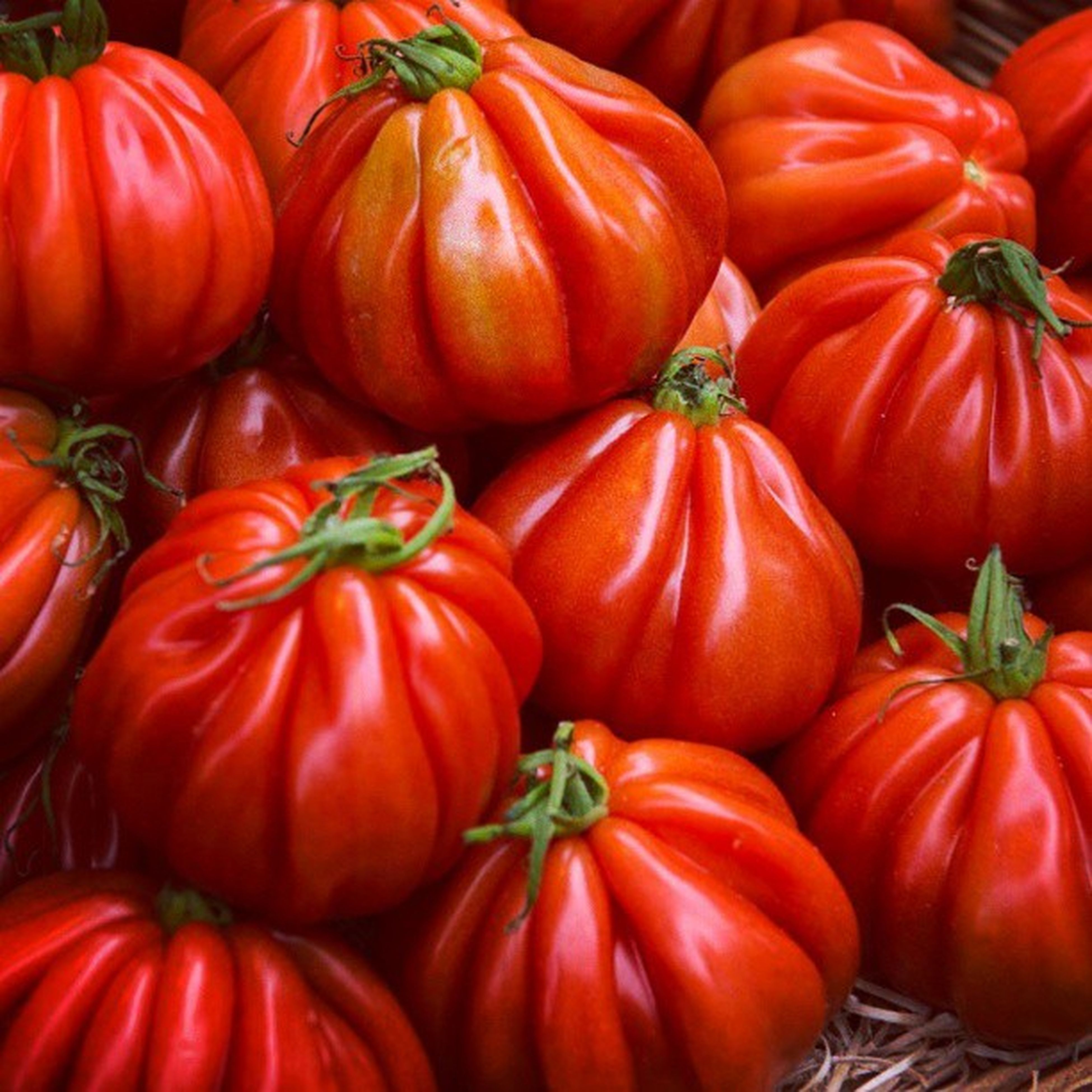 vegetable, red, freshness, healthy eating, food and drink, food, full frame, tomato, backgrounds, abundance, large group of objects, for sale, market, market stall, retail, still life, red bell pepper, organic, bell pepper, close-up