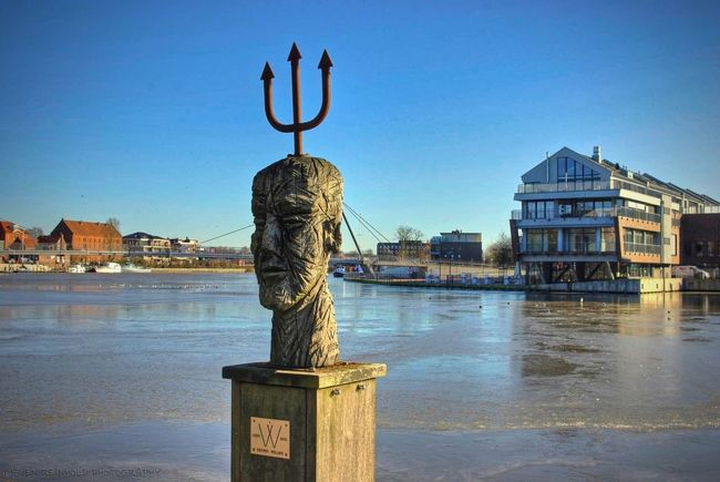 Harpune HEAD Ice Leer (Ostfriesland) Nice Statue Sun Sunlight Water Winter Wooden