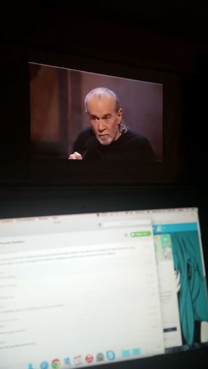 Vacationdays Macbookair GeorgeCarlin Relaxing