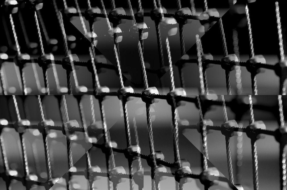 Maximum Closeness Zaun Fence Focus On Foreground Pattern Abstrak Abstract Schwarzweißfotografie Best EyeEm Shot Bnw_friday_eyeemchallenge Metal Art Bnwphotography Fence Pattern Monochrome Photography Metal Work Metal Collage Art Black And White