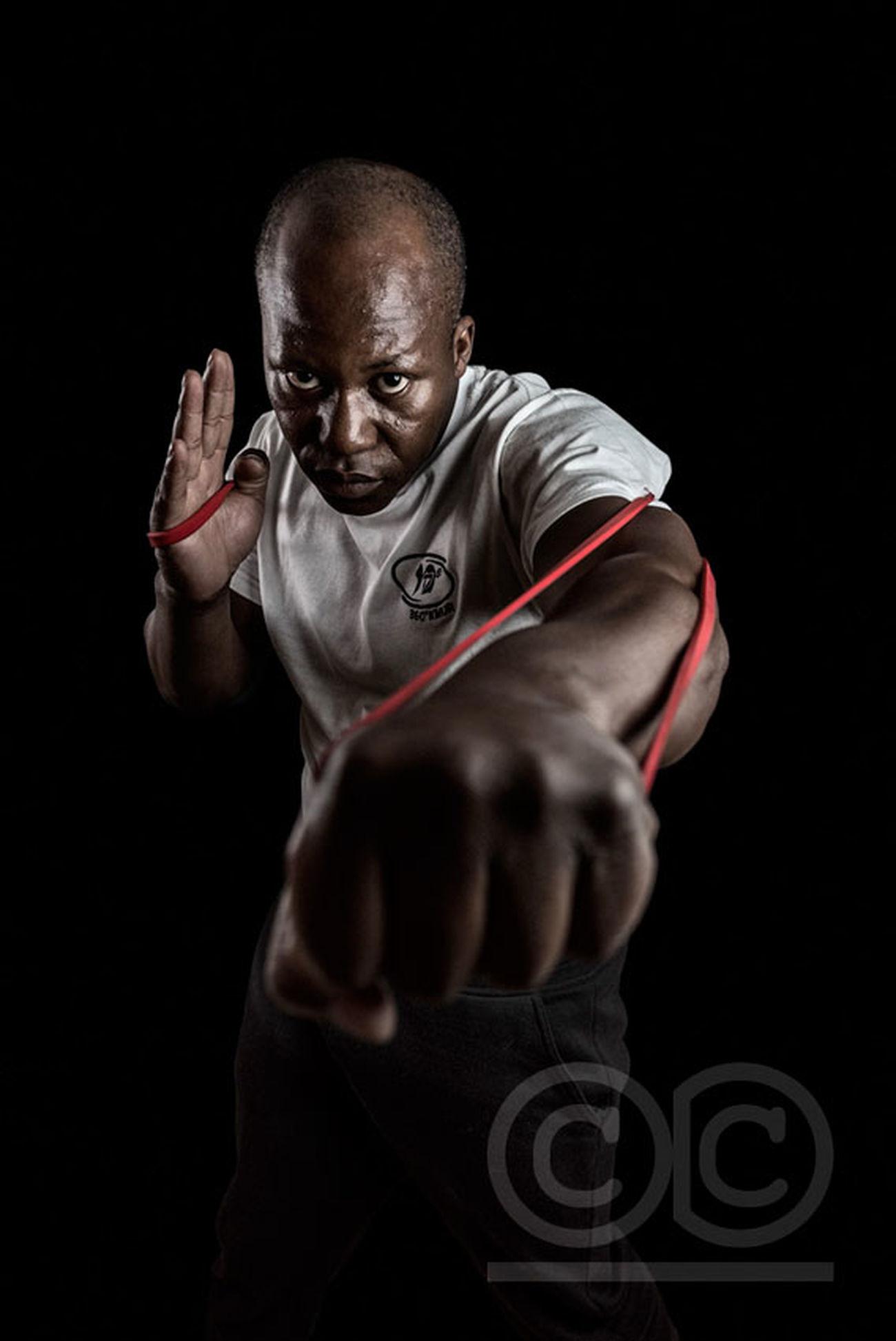 Merci à kmur pour m'avoir aidé à remettre les gants du portrait :-) Krav Maga Entrainnement Sport Training Kravmaga Kmur