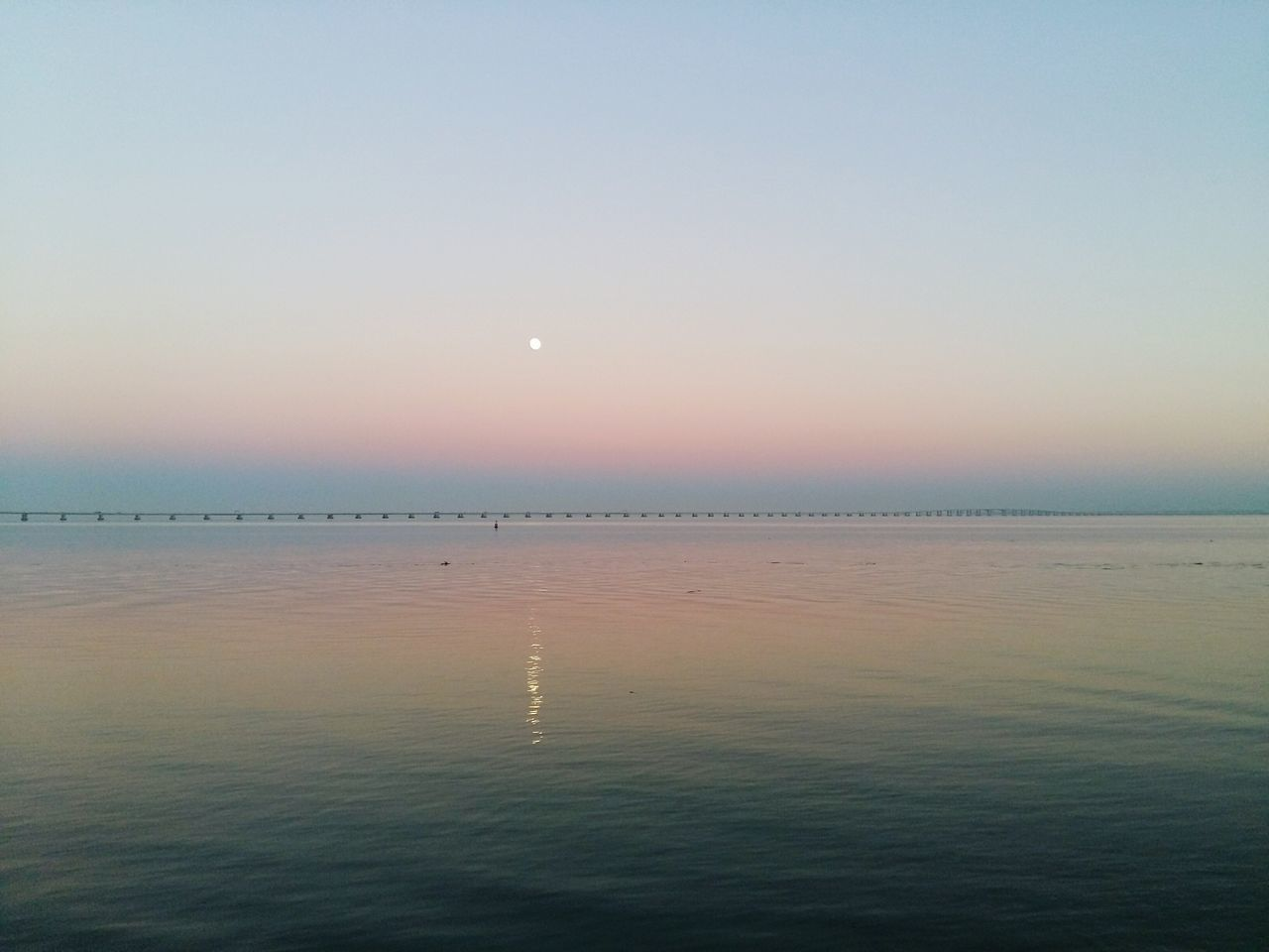 Water Reflection Tranquility Sunset Scenics Lisboa No People Outdoors Moon