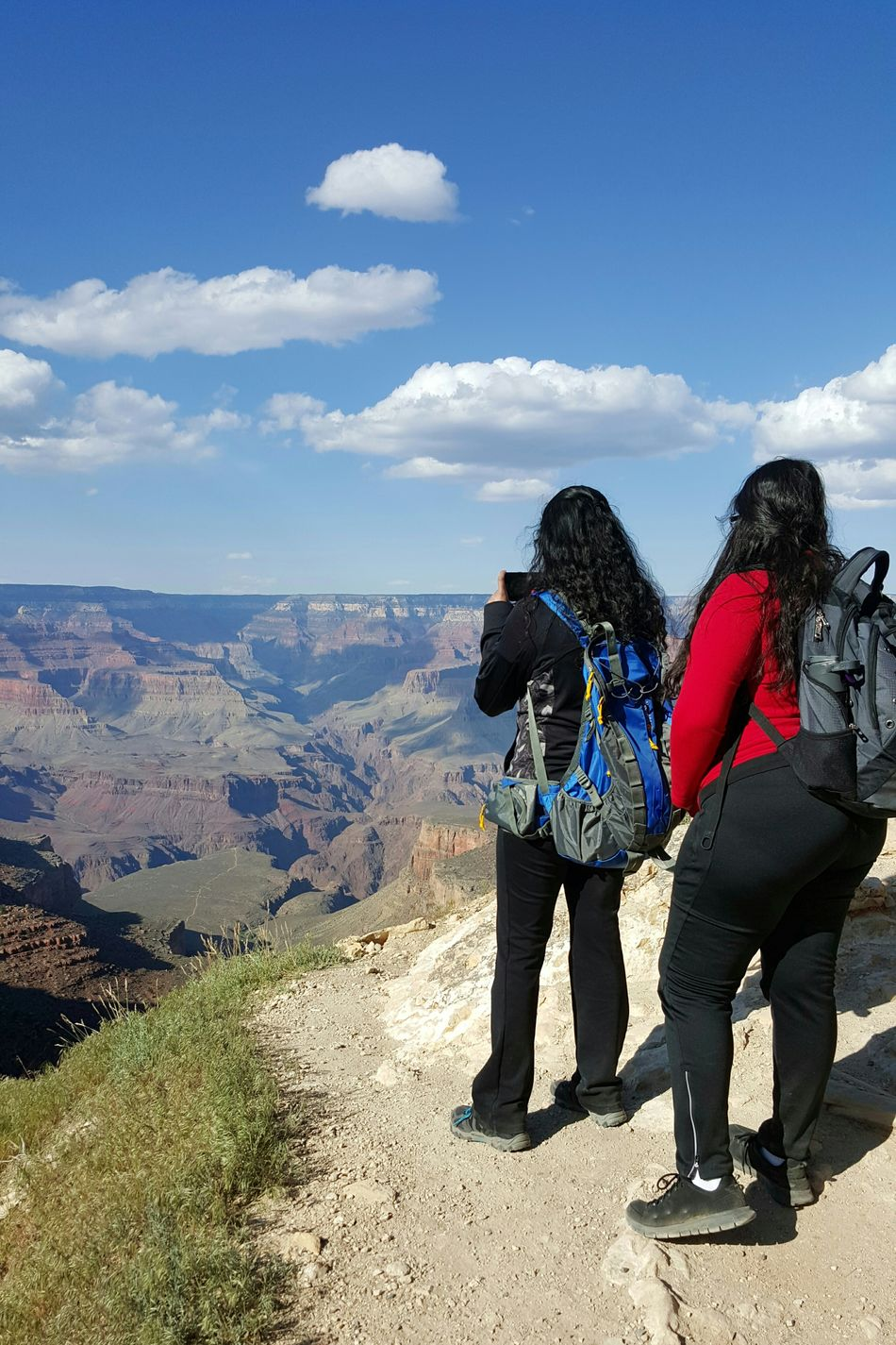 Togetherness Bonding Young Adult Non Recognizable People Women Active Activewear Two People Full Length Outdoors Vacations Friendship People Day Sky Scenic Vista Photography Hiking Female Hikers Active Lifestyles Enjoying The View Savoring The Moment Grand Canyon South Rim Grand Canyon National Park Arizona