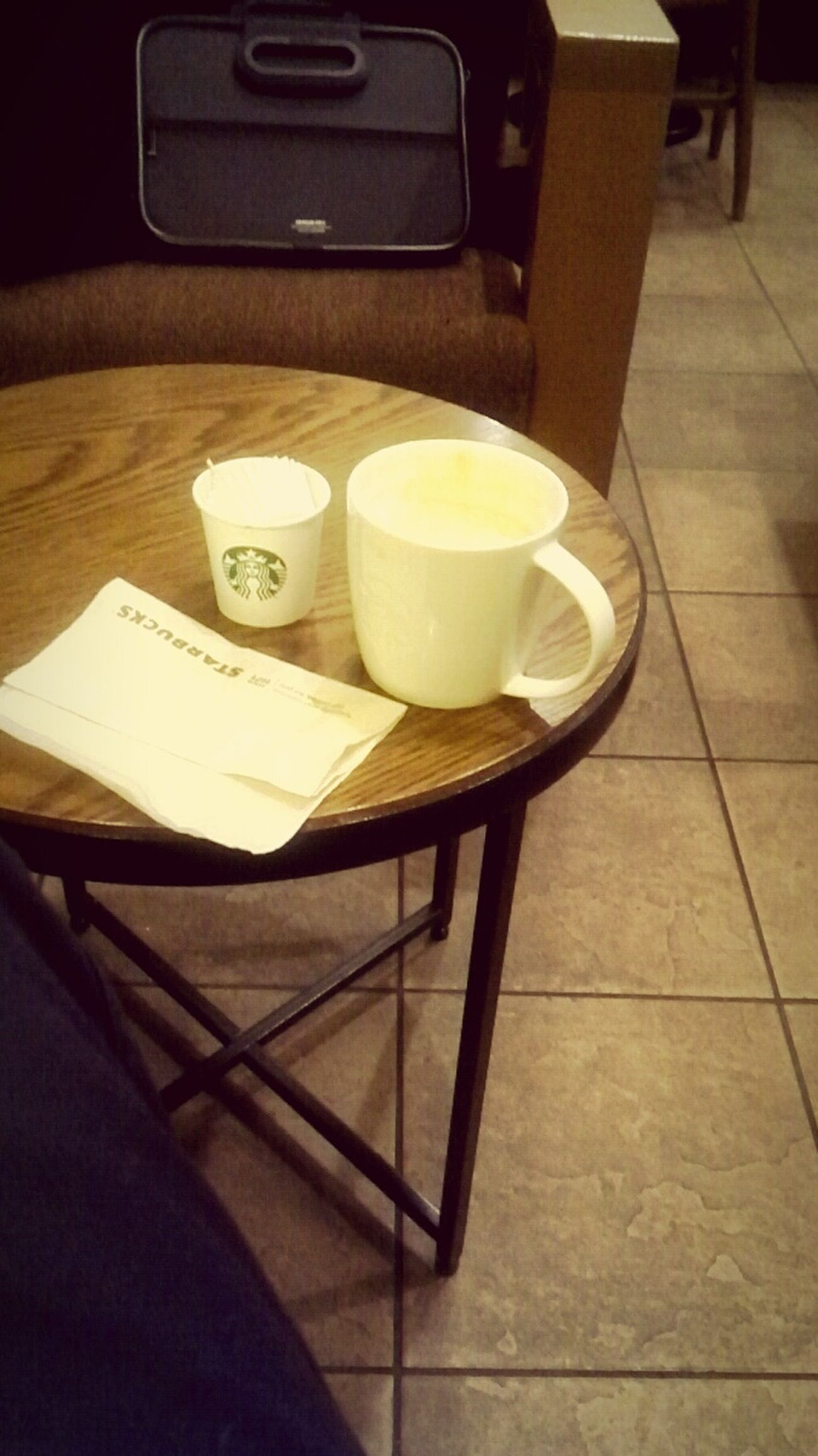 久しぶりにスタバ。 Relaxing @holiday Starbucks Coffee Time Waiting For My Friend