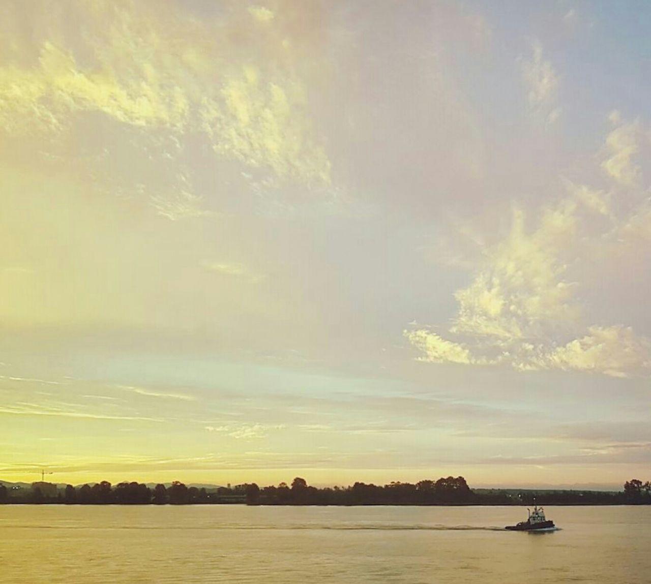 43 Golden Moments River Sunshine Boat Canada Richmond, Bc Richmond,BC Night Night View Fraser River