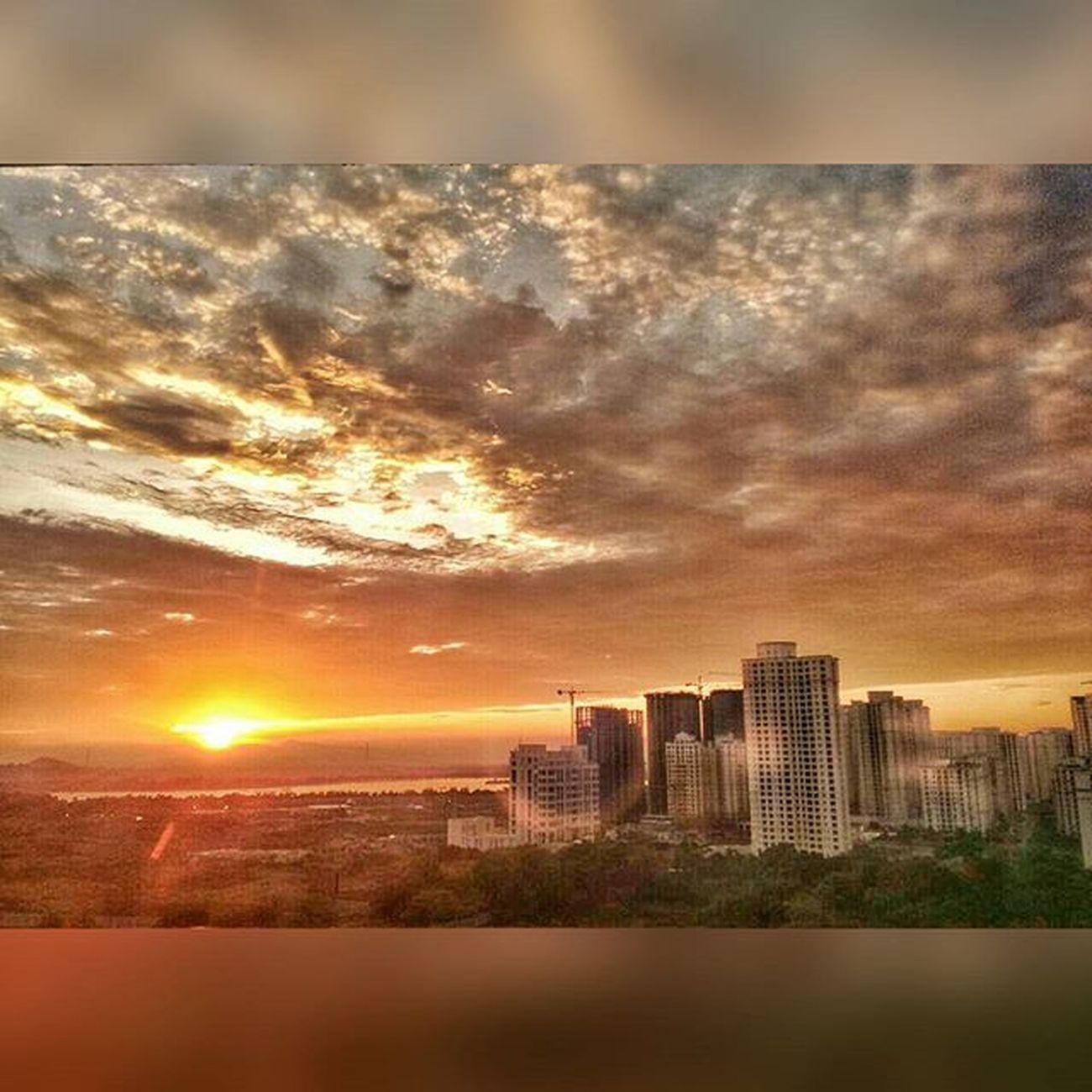 Greenary Morningslikethese Clouds Sunrise