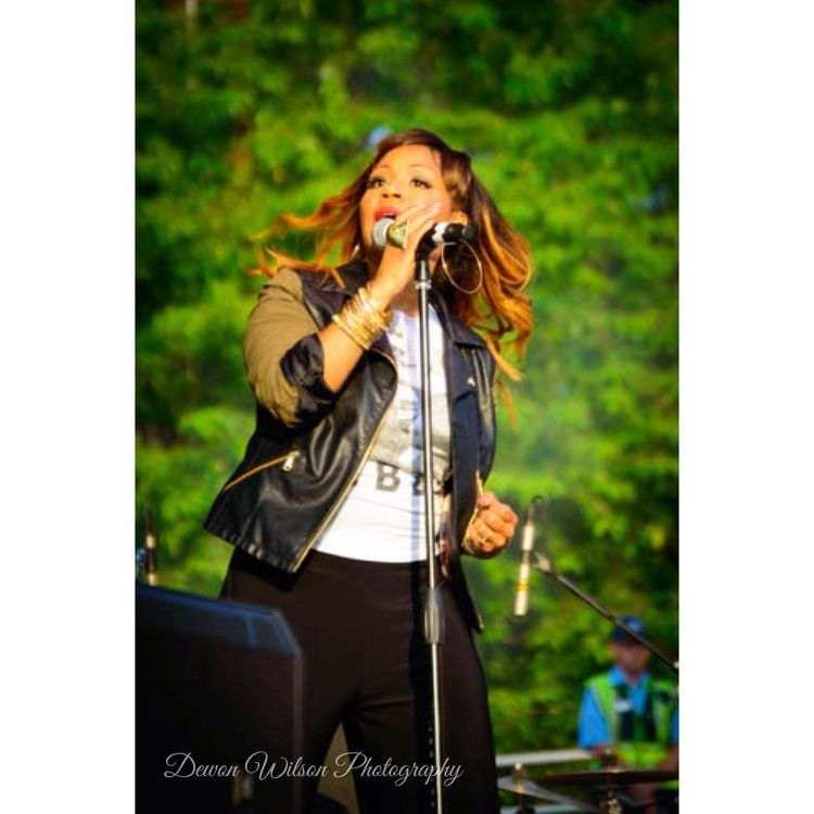 Erica Campbell from Mary Mary.... Mary Mary Erica Campbell