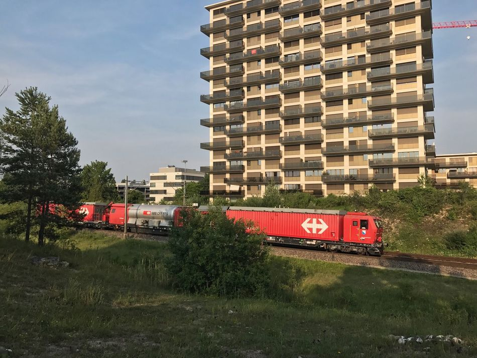 Fire- and Rescue train in Stettbach Transportation Architecture Built Structure Mode Of Transport Day Land Vehicle Sky No People Outdoors Building Exterior Tree Locomotive Streamzoofamily EyeEmSwiss Train