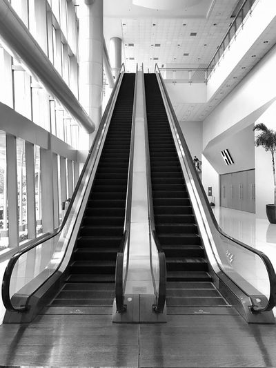 Railing Indoors  Escalator Empty Modern Architecture The Way Forward Built Structure Steps And Staircases Futuristic Staircase No People Moving Walkway  Day Jaysalvarez SMX Convention Center