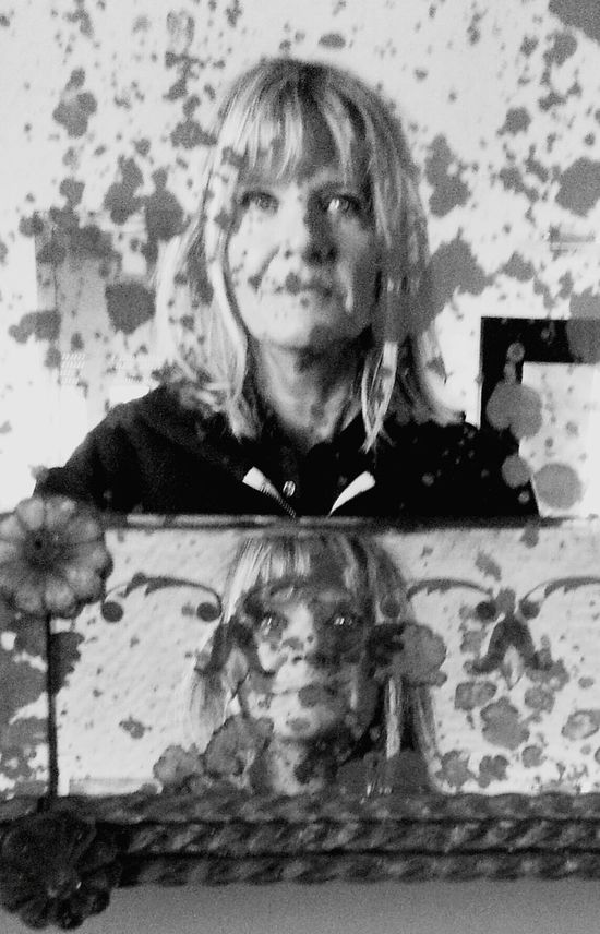 Double reflection in an old but beautiful mirror . https://youtu.be/TH2tp72T13o Reflections Portrait B&W Portrait Blackandwhite Taking Photos Enjoying Life Getting Creative From My Point Of View Getting Inspired Hello World Portrait Of A Woman That's Me Myportrait Mirror