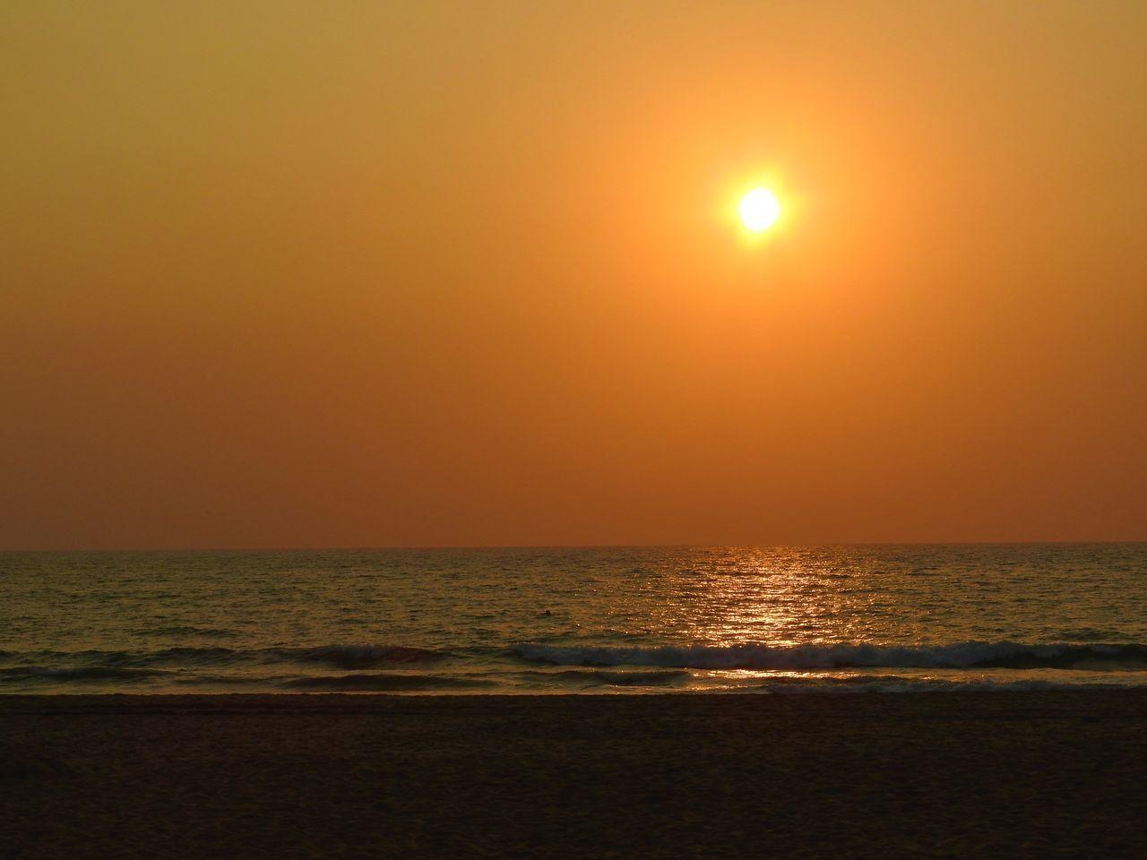 Beach Sun Beach Sun ☀ Eyeem Beach Sunset Beach Sunset Sea Sky Horizon Over Water Sea Sunset Sunset #sun #clouds #skylovers #sky #nature #beautifulinnature #naturalbeauty #photography #landscape Sunset_collection Water Yellow Sunset