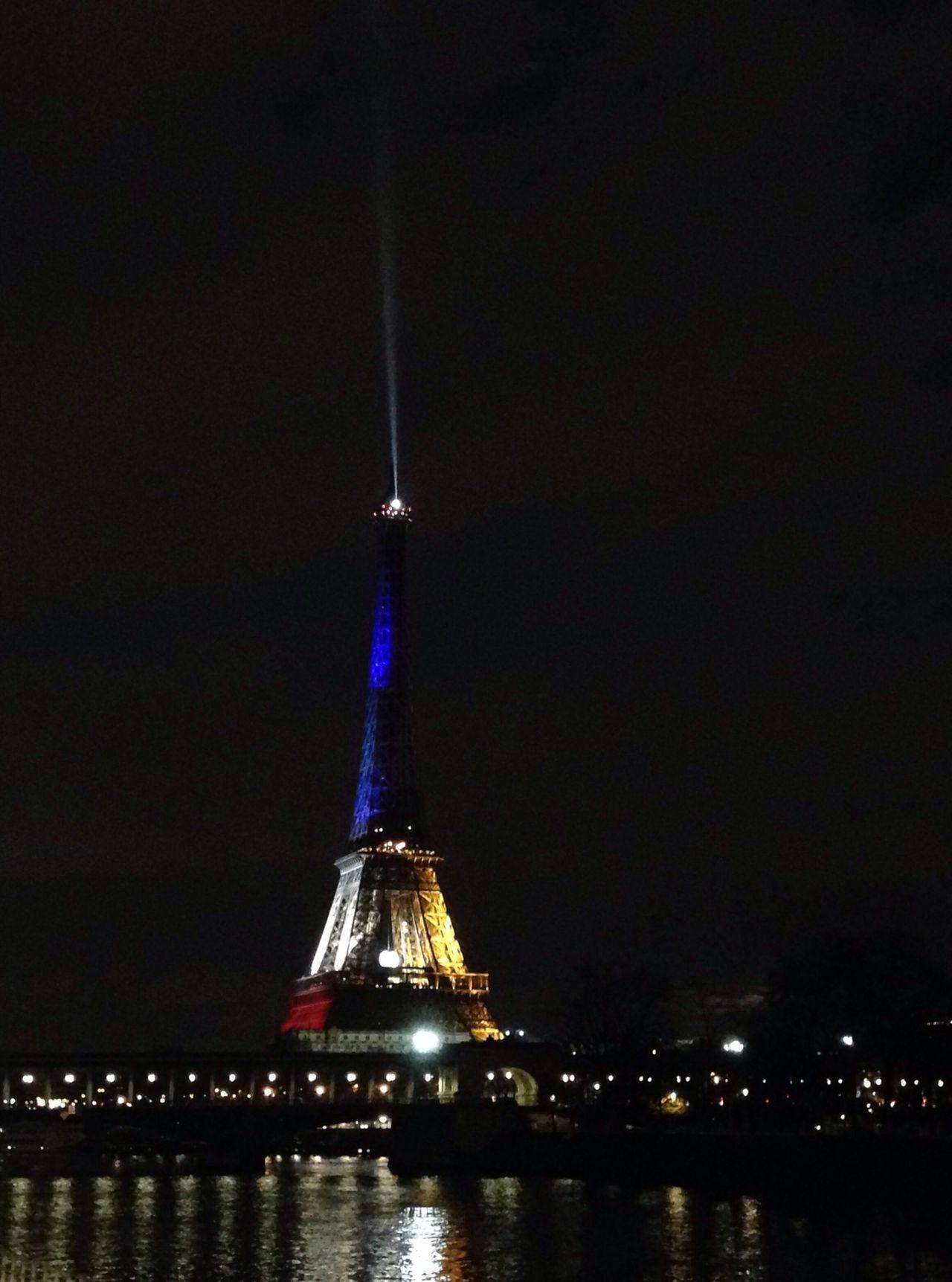 Learn & Shoot: After Dark Paris Eiffel Tower Night Bleu Blanc Rouge France Je Suis Paris