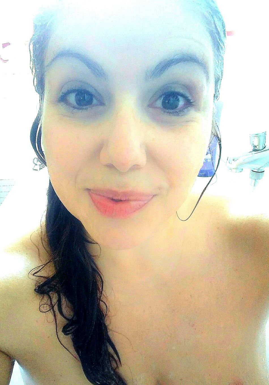 Me Wet After Bath Eyes Lips Hair Woman Hair Woman Portrait Woman Lips Bath Little Smile Smiling