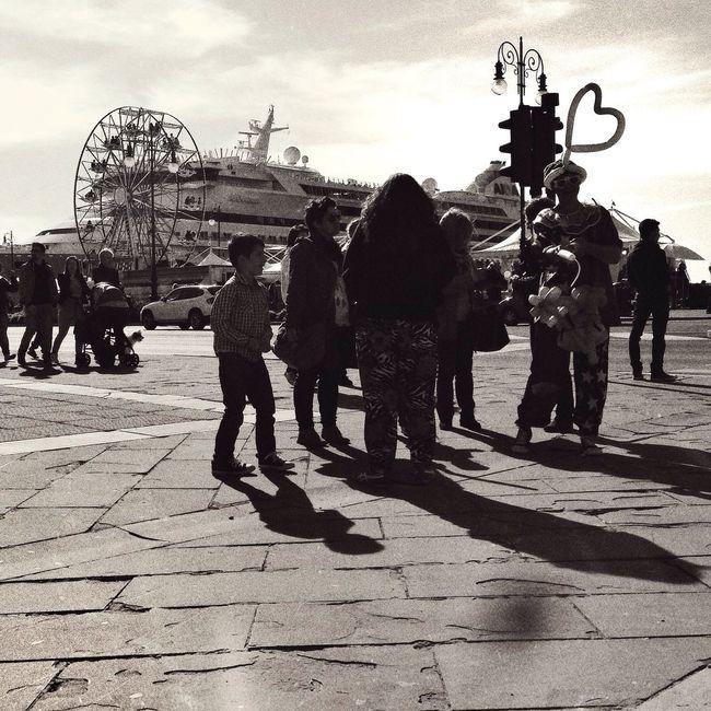 Love is in the air. Shoot, Share, Learn - EyeEm Trieste MeetUp Streetphoto_bw Fortheloveofblackandwhite Streetphotography