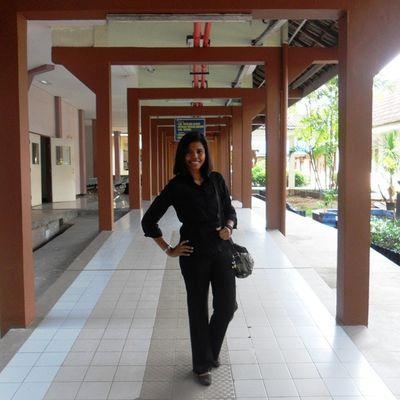Me Indonesianwomen Koridor Office Hospital